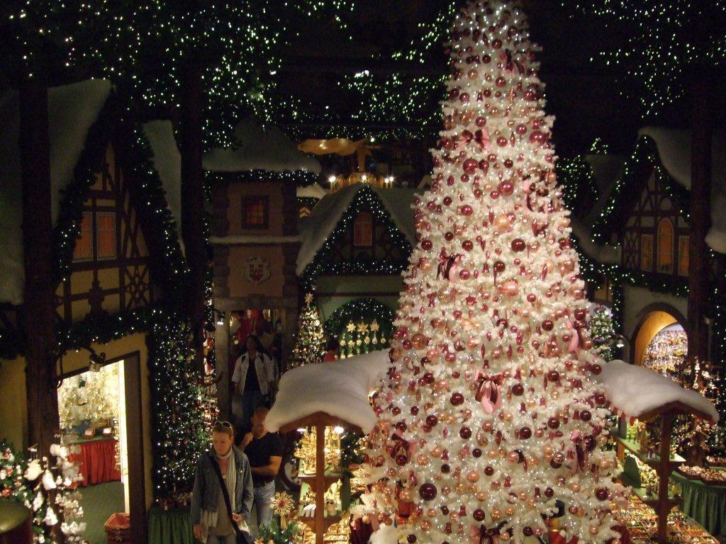 wir w nschen frohe weihnachten und einen guten rutsch. Black Bedroom Furniture Sets. Home Design Ideas